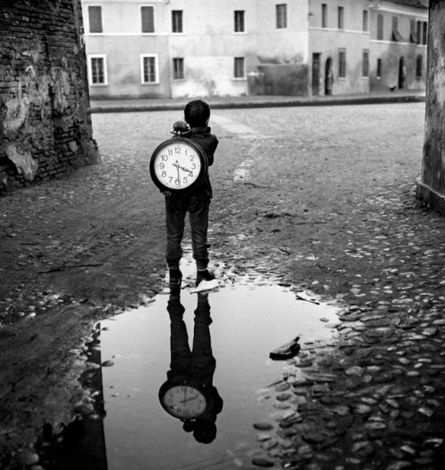 Ragazzo con l'orologio (Boy with a clock), 1955 by Piergiorgio Branzi