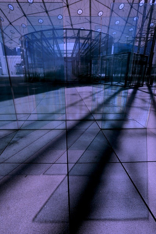 The 'Cloud' canopy at the Grande Arche(by Darrell Godliman)France - Paris - La Defense terrace