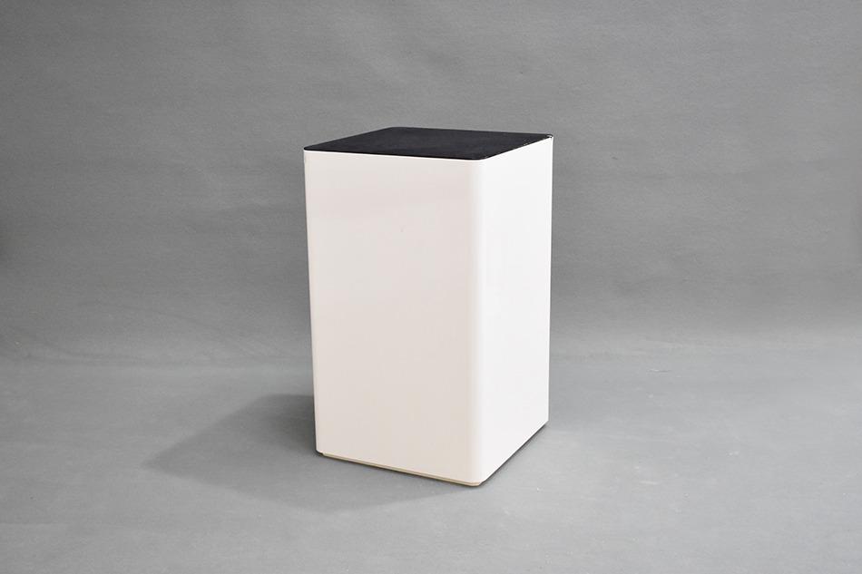 Socle (bois +revetement)60×60×98.5 cm - 1exp 25 euros/L'Unité