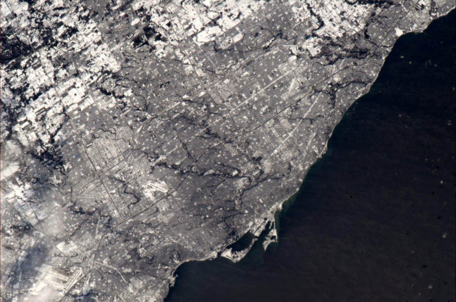 faultline49:  Canadian astronaut Chris Hadfield's picture of Toronto from space.