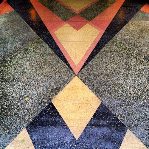 Inspiration of the day: Sidewalks stuck in time. #artdeco #losangeles #triangles #1930s #ClaudeBeelman #EasternColumbiaBuilding #architecture