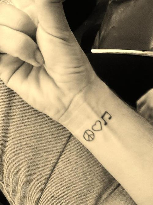 beckals96:  tattoo | Tumblr on @weheartit.com - http://whrt.it/S4DVug