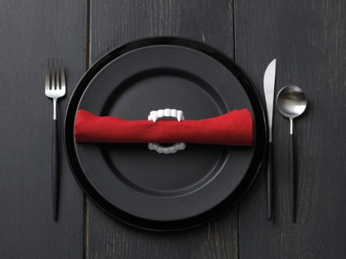 forthegothicheroine:  An ominous sign at a dinner party, but at least it's forthright.