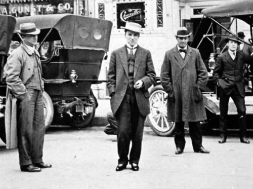 Charlie Chaplin on an American tour with the Fred Karno Troupe 1912 (possibly in San Francisco) via chaplinfortheages