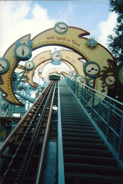 legalmexican:  localsloth:  disney world ride      (via TumbleOn)