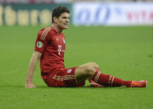 seven-is-special:  Pictures of Mario Gomez request yours here