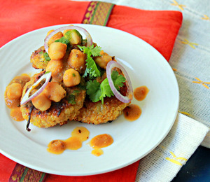 findvegan:  Quinoa Patties With Chickpeas Gravy