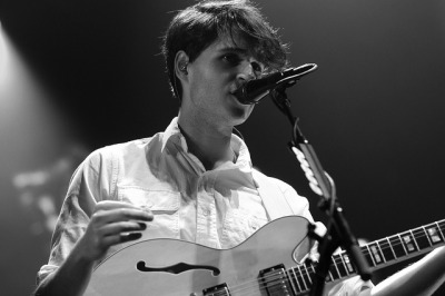 Ezra Koenig at Agganis Arena in Boston (Photo by jcsalley)