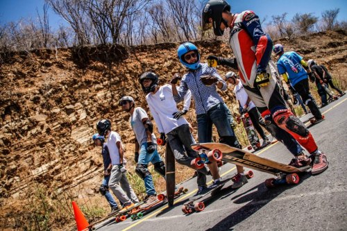 longboardmexico:  (via (2) 5 DE MAYOW!!!!!)Jose Luis Romero and Valeria Figueroa chilling at the starting line at 5 de mayow race