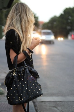 tjasa91livelife:  my style / C l a s s y-in-the-city on We Heart It. http://weheartit.com/entry/61581956/via/DareToBeU