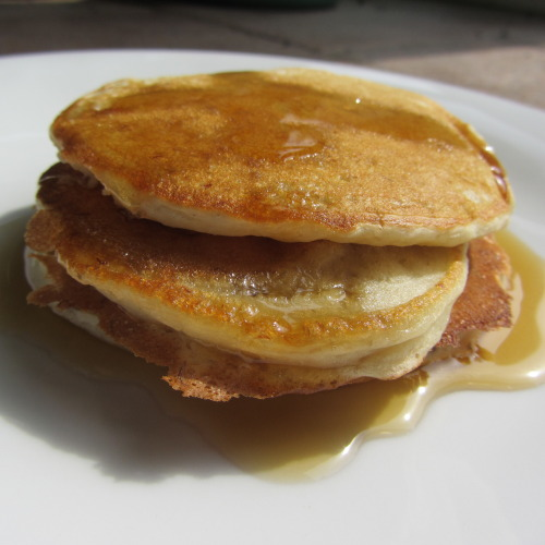 findvegan:  Banana Pancakes  makes 8-10 1/2 cup mashed bananas, probably able 2 medium sized ones 1 cup plain flour 2 tsps baking powder 1 1/4 cups oat milk 1 tbsp caster sugar pinch of salt 1 tbsp sunflower oil