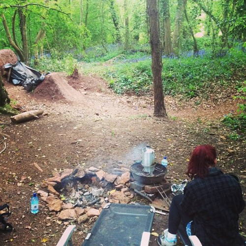 Suprise @marthonia visit means impromptu woods visit for a cup of tea haha #whereelsebetterforabrew @arod4130 I will do this Kelly kettle review soon! Haha!