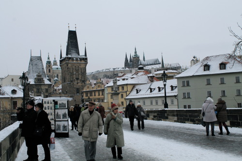 SNOW ON THE CHARLES BRIDGE! Czech that off the bucket list.