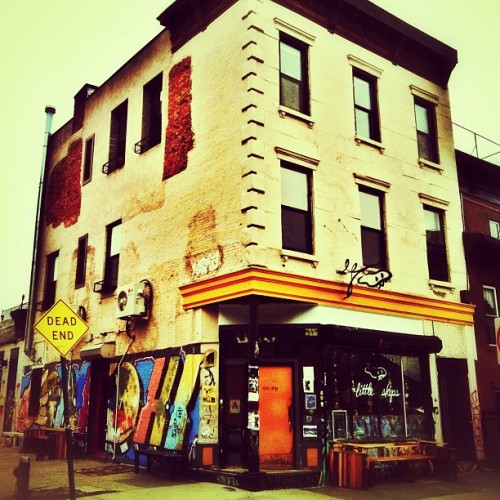 takethecityandrun:  @littleskips #coffeeshop #bushwick #brooklyn #nyc  (at Little Skips)
