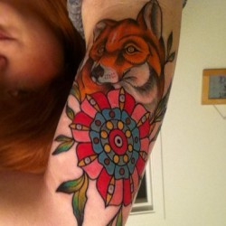 I'm officially broke and paralyzed in my right arm. #fox #tattoo #freshink #anatomytattoo #justindion #traditionaltattoo #ink #flower #girlswithtattoos #ouch