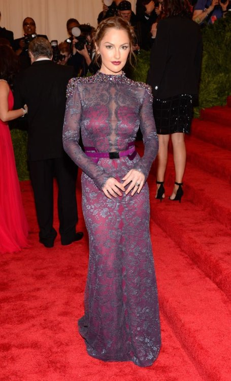 starsandstyle:  Minka Kelly at Met Gala 2013