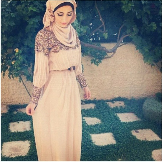 pastel-twilights:  via ~ Hijabs and Hijabis ~ on Pinterest. http://pinterest.com/pin/155092780890358060/