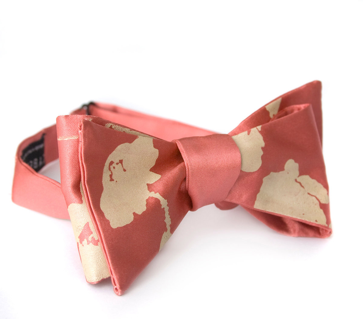 mrbeautie:  This May bloom, check out the dapper floral silk screen bow tie by Cyberoptix Tie Lab. They offer a variety of style in neckwear and accessories all screen printed for the modern gent! Enjoy!