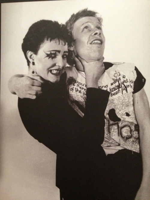 blkstiletto:  totally adorable picture of Siouxsie strangling Paul Cook
