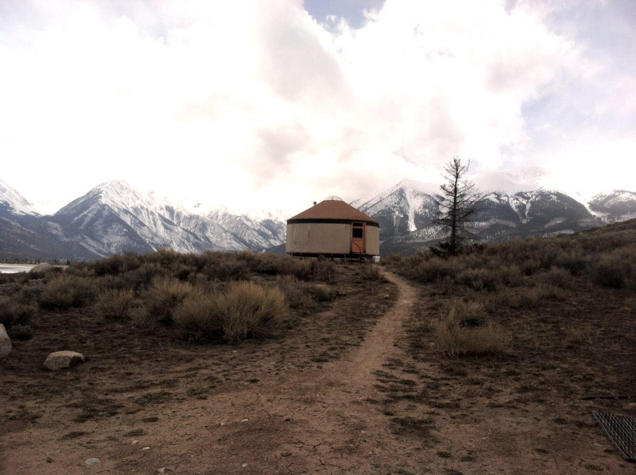cabinporn:  Yurt across from Mt. Elbert. At 14,400 feet the peak is the highest in the Rocky Mountains and second highest in the contiguous United States. Submitted by Jess Mahanes.