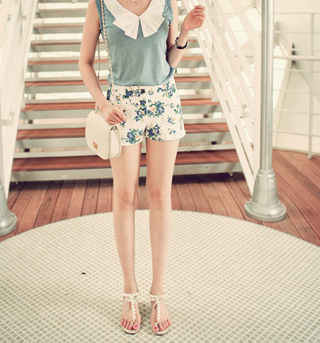shakyhandsandbloodyroses:  I am in love with this outfit.<3