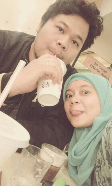 akhirnya patjaran oey! with sulistyo at A&W – View on Path.