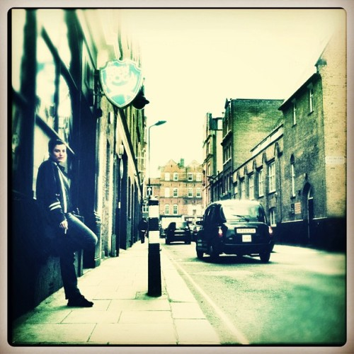 #london #londoner #camdentown #brewdog #pub #street #streetphoto #cab #picoftheday #photooftheday #mood #lategram