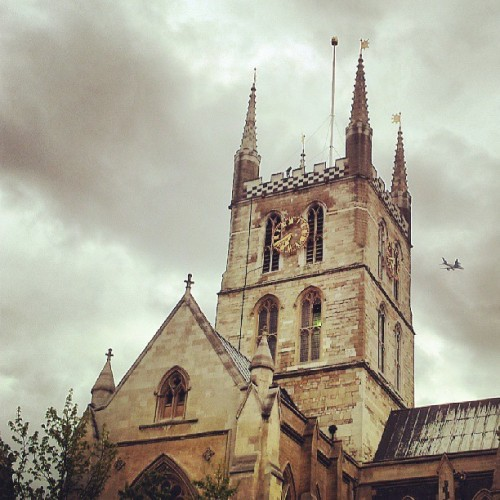 #WHPputaplaneonit #SouthwarkCathedral #London  (at Southwark Cathedral)