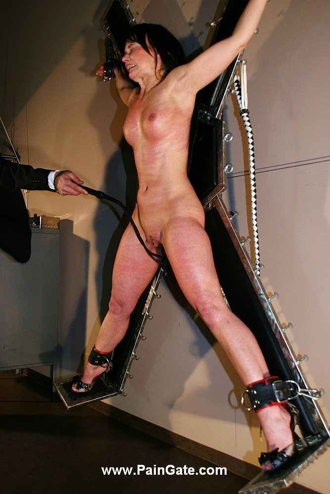 whipping-woman-fetish
