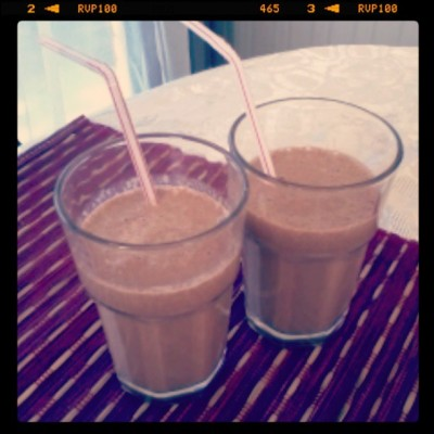 Pre lunch snack hehe #chocolate #Mango #smoothie #yum