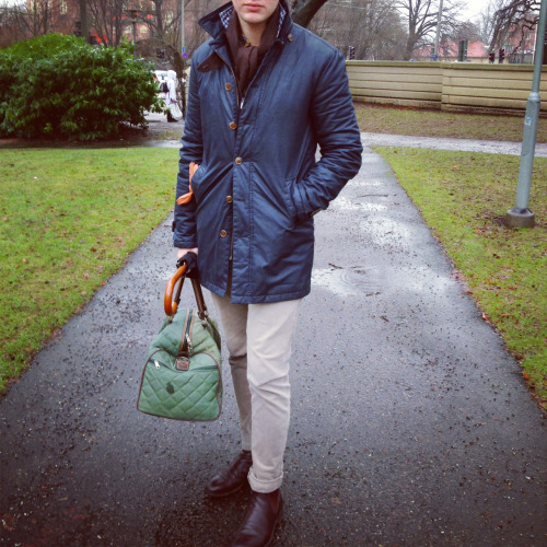 Rain gear Coat - Morris Sample collection Shirt - Tintoria Mattei 954 Scarf - Morris by AD56 Gloves - Hestra Trousers - Morris by Jacob Cohën Boots - RM Williams Craftsman Umbrella - Dalarnas Paraplyfabrik