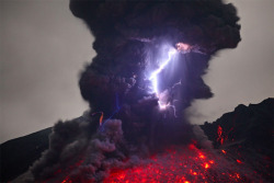 (via Terrifying Volcanic Lightning Photographed by Martin Rietze | Colossal)