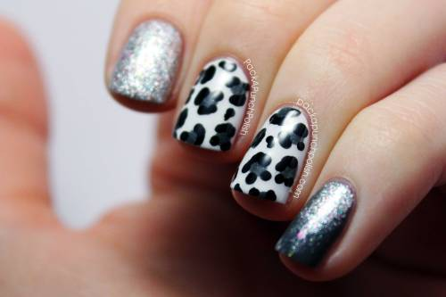 Snow leopard nails with glitter <3  Tutorial: http://youtu.be/Bpobq4pfhAs Blog Post: http://www.packapunchpolish.com/2013/01/snow-leopard-glitter-gradient-nail-art.html