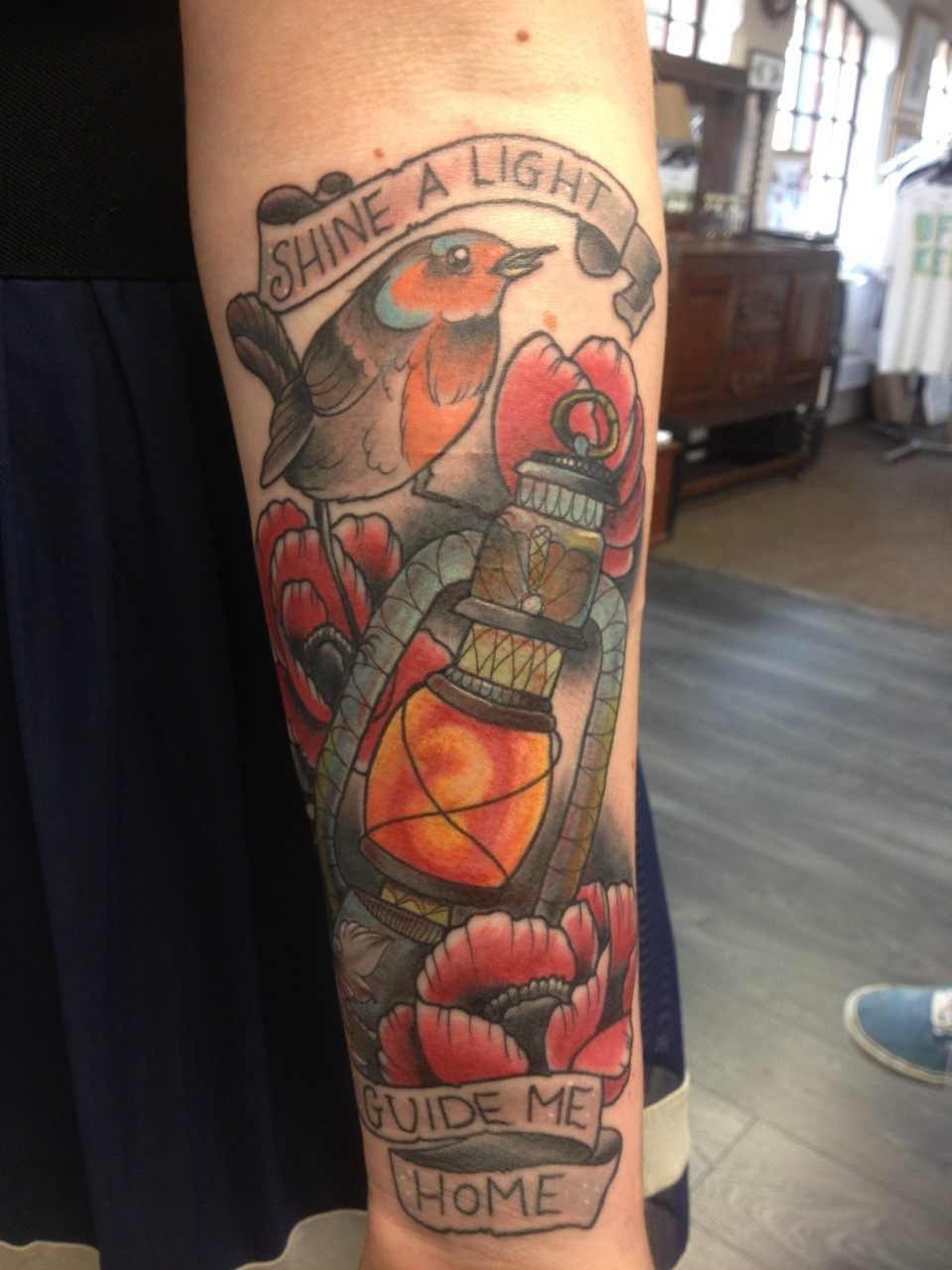 thisisthemaxwellmurder:  Crap photo, fun tattoo