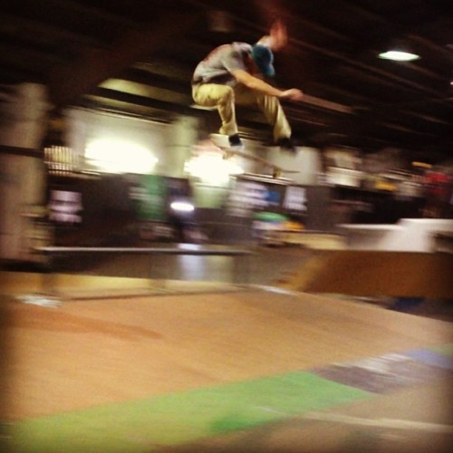 He's got a mean kickflip. @jakedonnelly over the corner of the pyramid. #realmpls @3rdlair (at 3rd Lair Skatepark - Golden Valley)