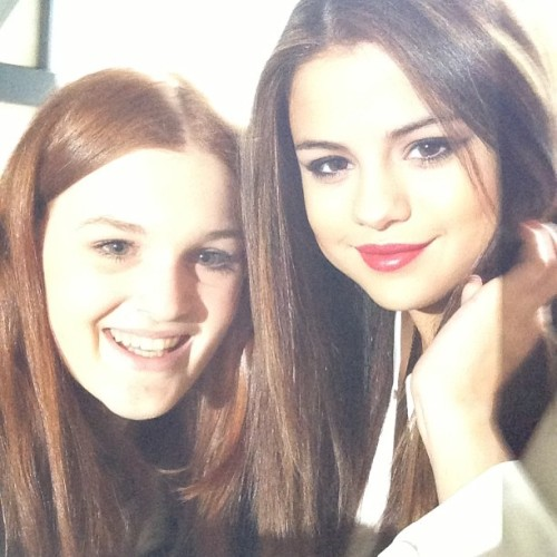 @HarleyBieberX: Awh just met Selena, she's so nice bless her @selenagomez thank you :-)