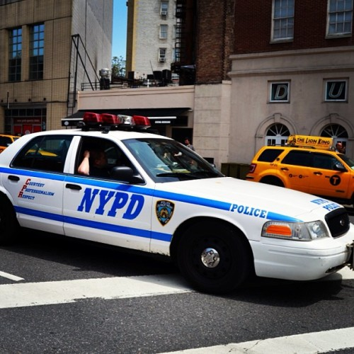 part-time-luvers:  #NYPD #NYC #Nikon just snappin pics of anything.  A dream I once had that is now dead