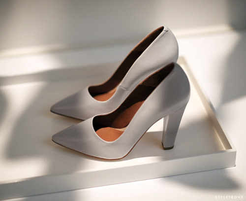 styletrove:  LOVING: White Pumps from H&M