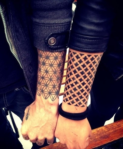 chanybabyluv:  74 Matching Tattoo Ideas To Share With Someone You Love on We Heart It - http://weheartit.com/entry/60620256/via/chanel_johnnyboy   Hearted from: http://www.buzzfeed.com/peggy/matching-tattoo-ideas