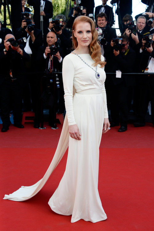 chocolatemakesmesmile:  Jessica Chastain in Versace (Cannes)