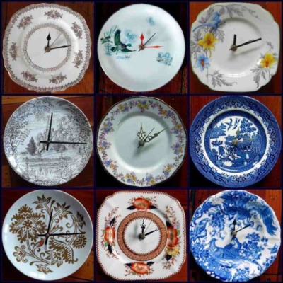 Have a chipped plate? Why not turn it into a clock? Helen Kerrigan made these. (Photo via Auckland Art & Craft Fair.) More new uses for secondhand and/or broken china can be found here.