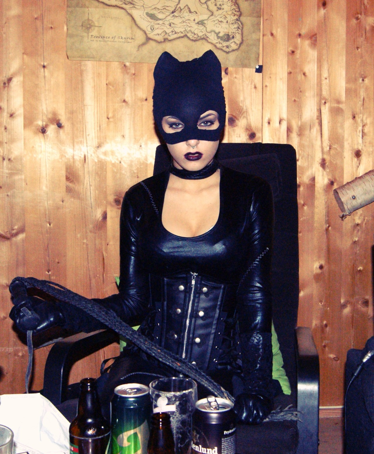 Last night I was at a carneval and this was my costume. Catwoman!