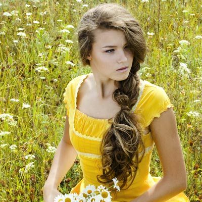 promhairlooks:  Side Braid for Prom! What could be a cuter (or easier) prom hairstyle than the side braid! This may be a look your rock for every day but here's how to get a prom-worth plait. Visit our website for all our prom hair looks!