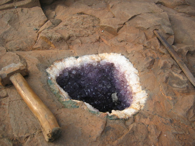 Amethyst Geode inside the ground!