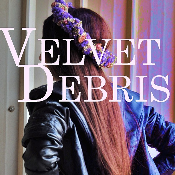 Follow and support @velvetdebris
