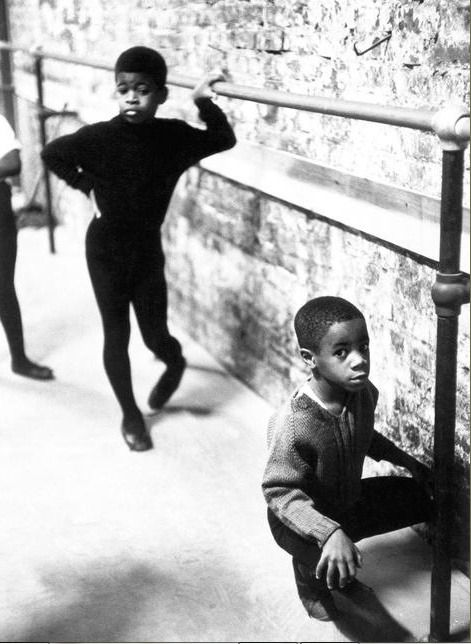 harlemcollective:  N.Y.C., Harlem, neighbourhood ballet class, 1968. Photo by Eve Arnold as part of the Black is Beautiful series.