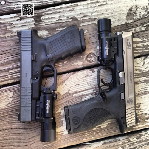 45-9mm-5-56mm:  xcoastie04:  A pair of 9's #glock 19 #smithandwesson #mp 9 #atei #fire4effect #igmilitia #surefire #108performance #custom      (via TumbleOn)