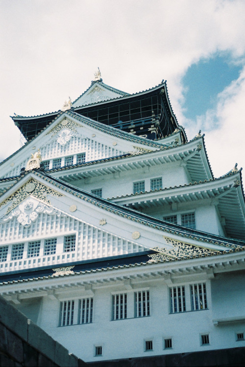 fuckyeahjapanandkorea:  Osaka Castle, Osaka 大阪城 (by porkchopsandy)