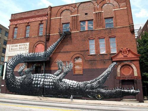 streetartglobal:  I'm not sure there's a country Roa hasn't been to! I'd guess this was New Orleans by the subject matter and surroundings! Always high quality work!