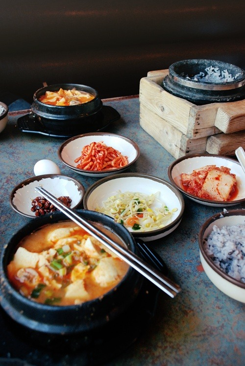 ohmyasian:  2672. Korean Food. Keep calm and eat Korean food!